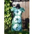 šaty krátké - zelná batika do vel. 2XL